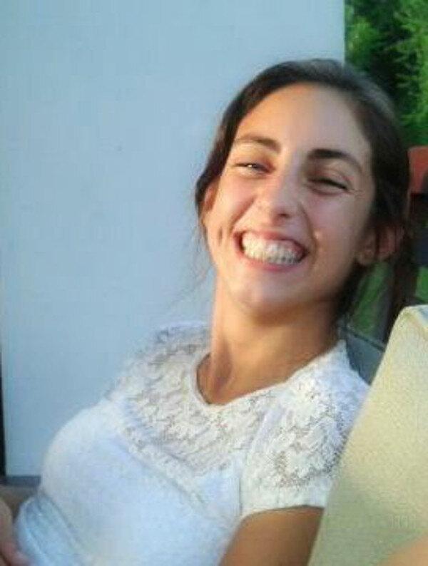 No tengas miedo de mostrar tu sonrisa :)