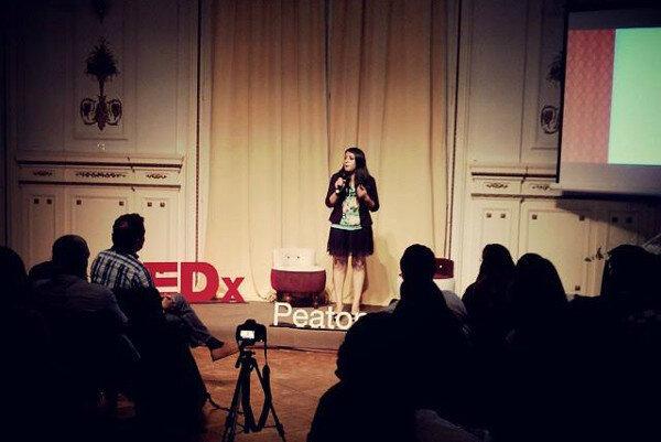 Graciela Quipildor dando su charla