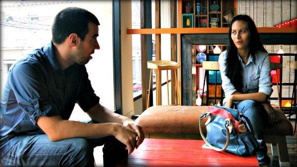 Mati y Lu hablando sobre cuándo empezar un negocio.