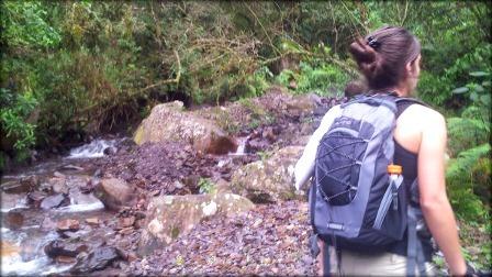 En el Cerro San Lorenzo, Salta, Argentina, con mi mochila de 28 litros.